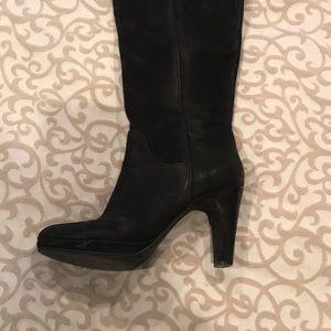 Steve Madden Shoes - Steve Madden 7.5 blacked heeled boot